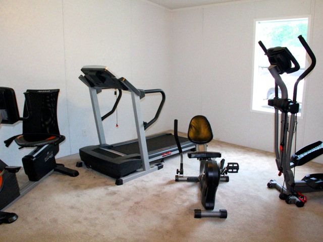 Woodland Lakes RV Park has exercise equipment for its guests.